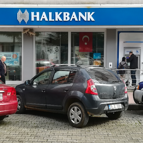 HalkBank fotoğrafı